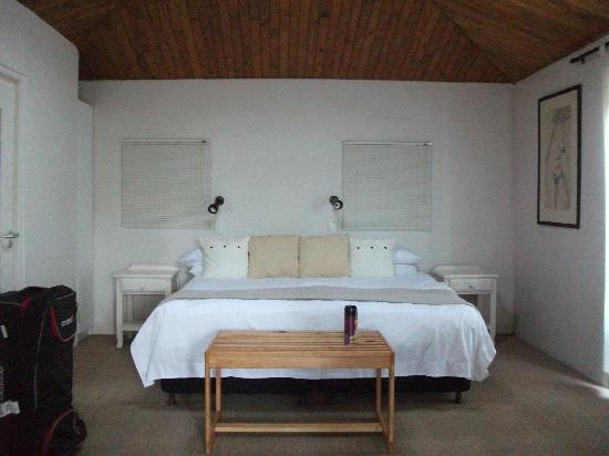 Treehaven Self Catering Accommodation: Comfortable bed and all very snooze worthy :)