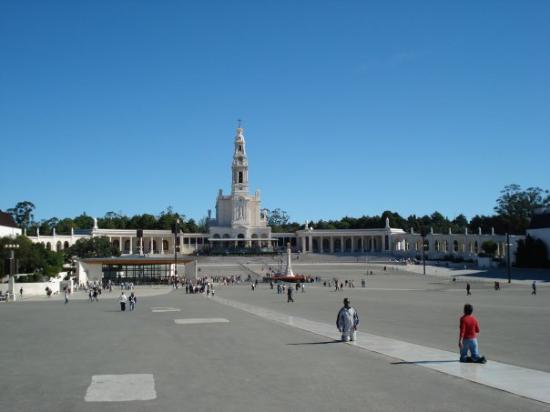 Basilica of Nossa Senhora do Rosário de Fátima: Fatima, Portugal