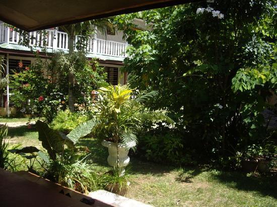 Rosemary's Guesthouse: vue de notre chambre