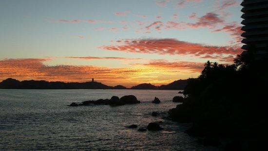 Las Torres Gemelas:                   Typical Sunset