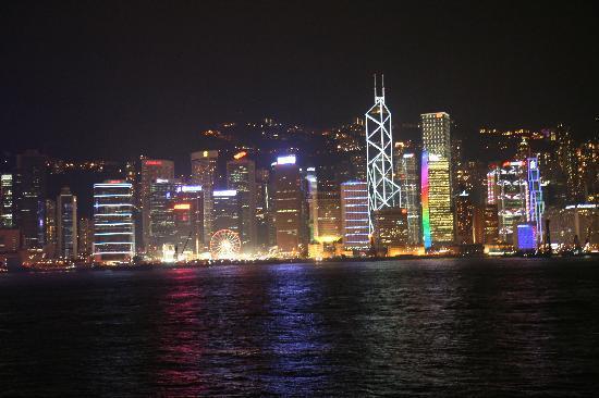 Tsim Sha Tsui: プロムナードからの夜景です。最高!!