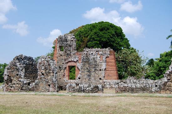 Sheraton Bijao Beach Resort : Ruins
