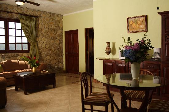 Los Mandarinos Boutique Spa & Hotel Restaurant: Luxurious suites make you feel like royalty.