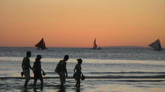 MR Holidays Hotel: Perfect Sunset