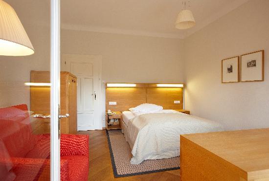 Hotel Waldhaus: Modernes Zimmer