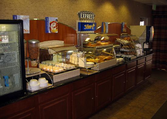 Holiday Inn Express Tehachapi Hwy 58 / Mill Street: Express Start Breakfast