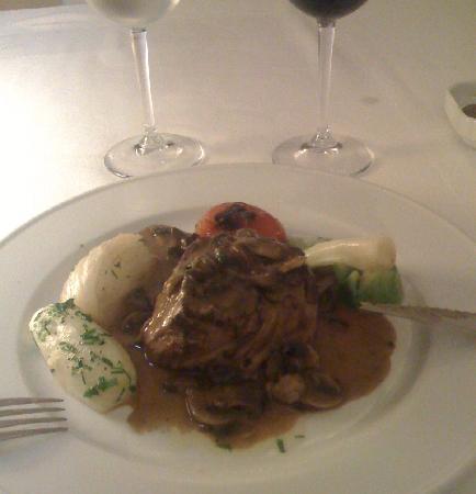 Kobet El Haoua - Le Carre Blanc: Le filet fabuleux, servi ici bleu avec des champignons
