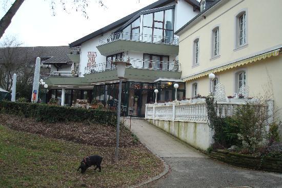 Nells Park Hotel : eingang des hotels