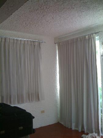 Maya Caribe Hotel: ventanas