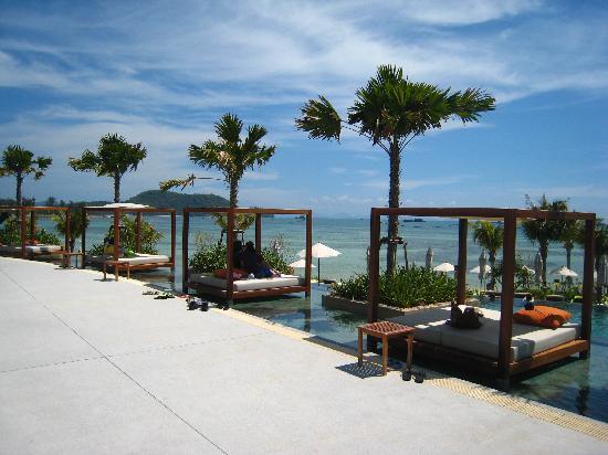 Pullman Phuket Panwa Beach Resort: Stylish sundeck