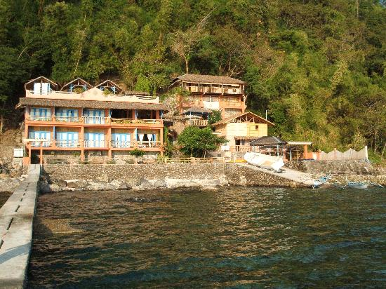 Portulano Dive Resort: the resort from the boat