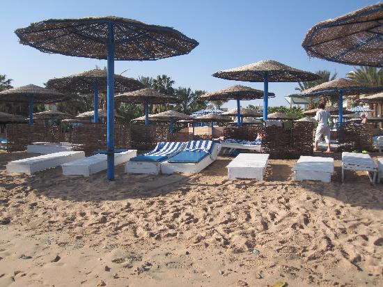 Royal Star Empire Beach Resort: beach
