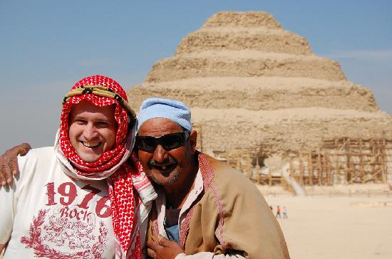 Emo Tours - Day Tours: Tatataaaata - This character was at the step pyramids in Saqqara, he asks you to take a pic with