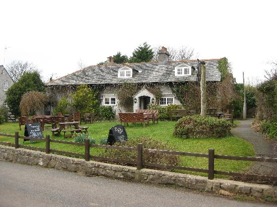 Stackpole Inn: The inn