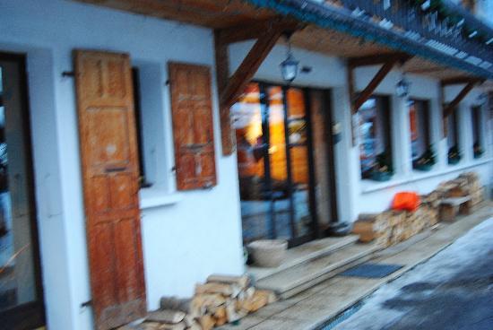 Chalet Hotel Fleur des Neiges : Door