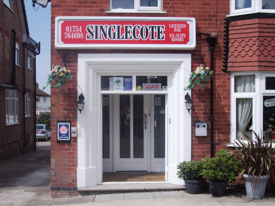 The Singlecote : Hotel Front