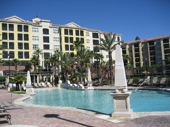 Hilton Grand Vacations at Tuscany Village: quiet pool