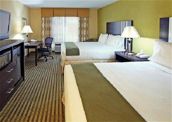 Holiday Inn Express & Suites Carthage: Double Bed Guest Room