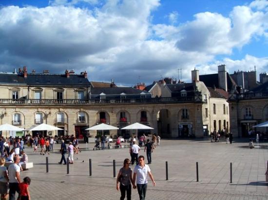 Place de la Libération, place royale de Dijon