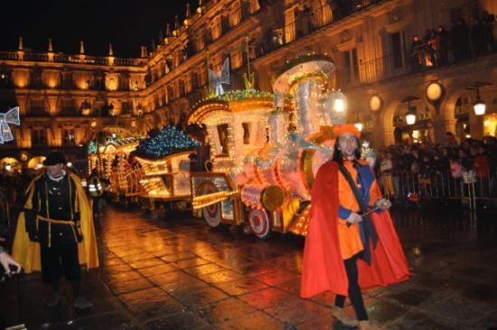 Salamanca's Plaza Mayor : Los Tres Reyes Magos (The Three Kings) Parade, Salamanca, Spain