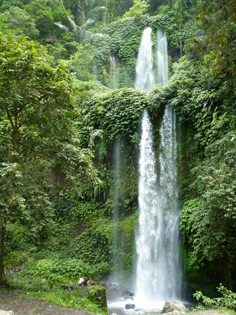 52a3ae7e5d7 Beautiful waterfalls, but don't wear flip flops! - Sendang Gile and ...