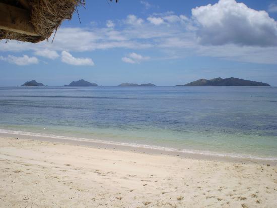 Mana Island Resort: Nth Beach.