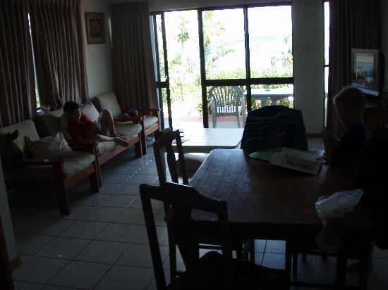 Seaview Motel: lounge dining taken from kitchen