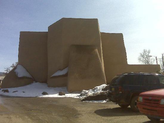 Blue Sky Retreat at San Geronimo: Beautiful Rancho de Taos church is right down the main highway.