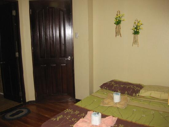 La Bella Casa: room facing the door