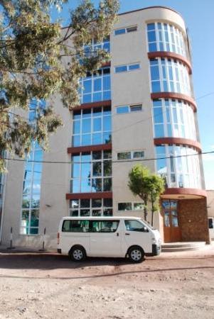 Afro Land Lodge: lift side