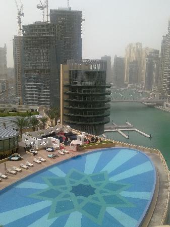 Address Dubai Marina: the pool