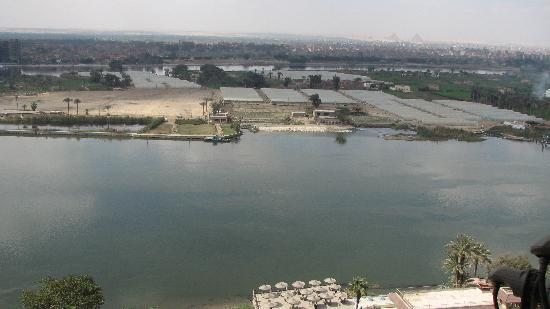 Nileview Bed And Breakfast : View of the Nile and pyramids(on non foggy days!)