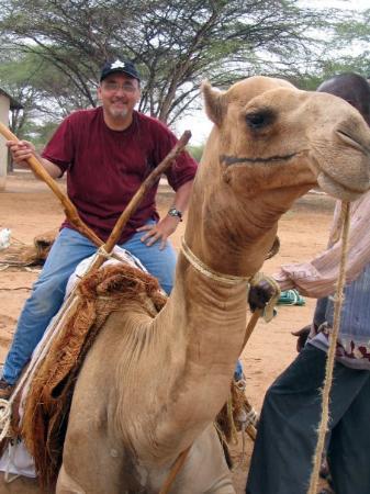 Voi, เคนยา: Garissa, Kenya. He's more than a camel. He's a library.