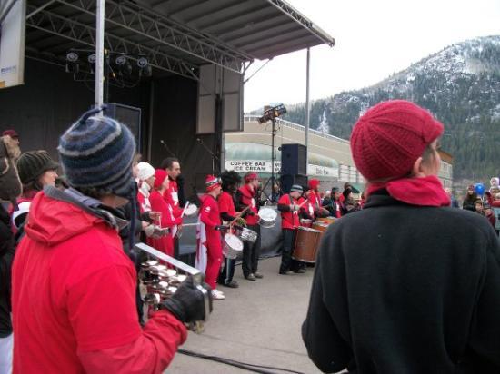 Nelson, Canada: Great Music on the street, everyone was in the Olympic spirit.
