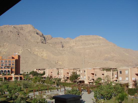 Mövenpick Resort El Sokhna: Hotel, Suites & Mountain View