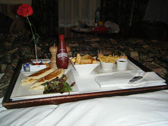 The Rubens at the Palace: room service - chunky chips are awesome!