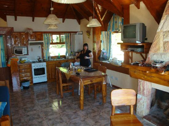 Cocina comedor living: blanco moderno living comedor con cocina ...