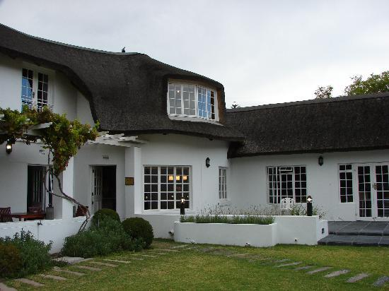 AlphaBed B&B : Front view