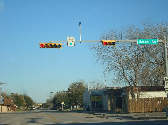 Red Roof Inn Port Aransas: The traffic lights in Texas are hung differently then those in Los Angeles