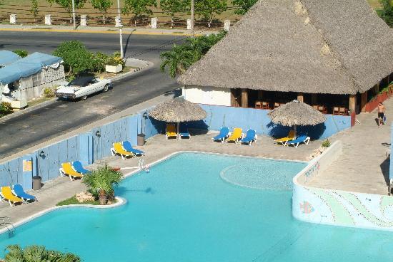 Hotel Sunbeach Piscina
