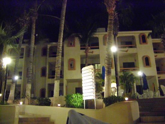 Park Royal Los Cabos: Hotel de noche