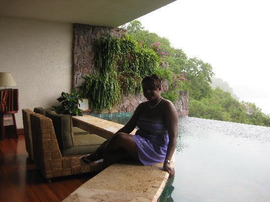 Jade Mountain Resort: Rainy, romantic Sunday morning