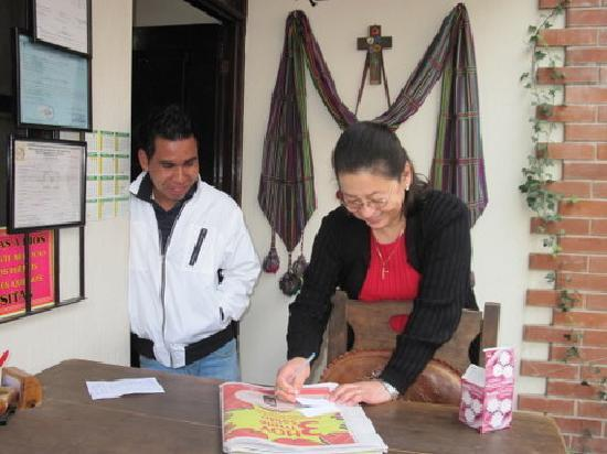 Nebaj, Gwatemala: Die Reception hat eine Lösung für alle Anliegen