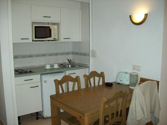 Galeopn Playa in-room Kitchen