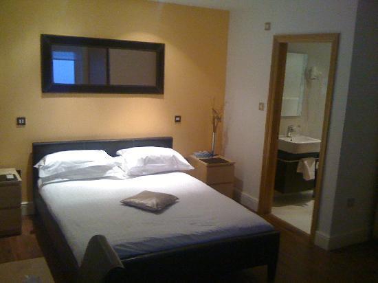 Hotel 82: Rather Nicer Room B03