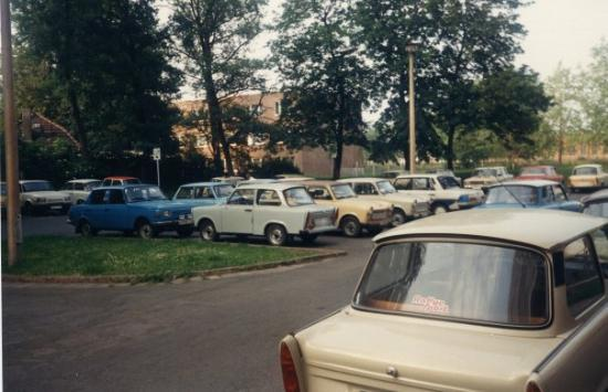 Erfurt, Tyskland: Parking lot full of trabi's