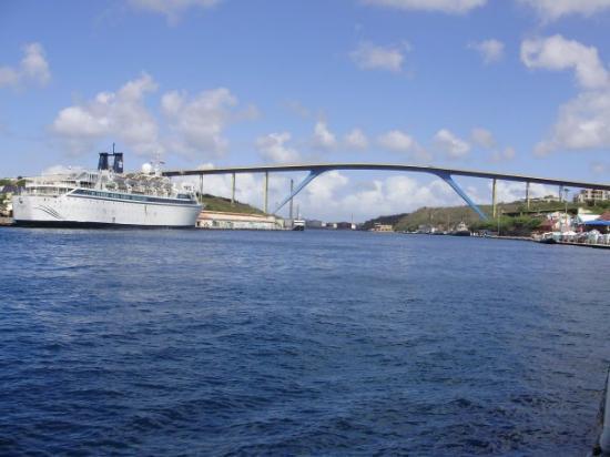Queen Juliana Bridge: PUENTE REINA GUILLERMINA