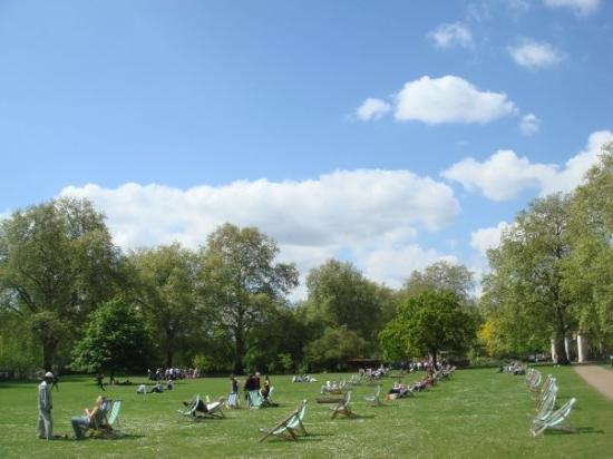 St. James' Park: St Jame's Park