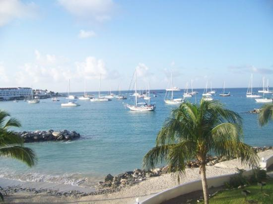 Simpson Bay, Saint-Martin / Sint Maarten: View from our balcony