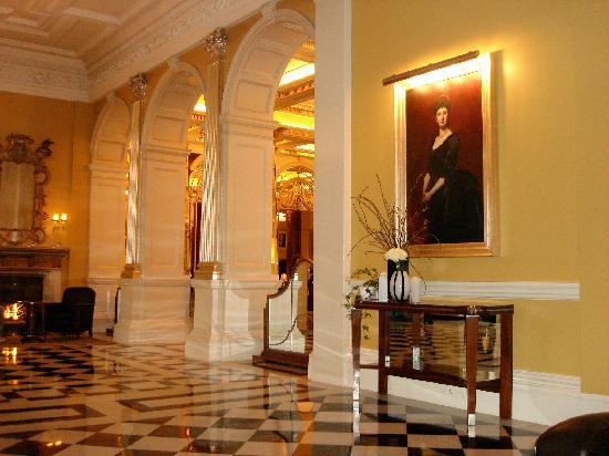 Claridge's: Hotel Lobby